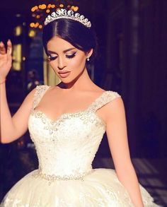 Cheap gown wedding, Buy Quality bridal ball gowns directly from China vestido de casamento Suppliers: ZYLLGF Bridal Ball Gown Sweetheart Tiered Bottom Saudi Arabia Vestido De Casamento Middle East Gown Wedding With Appliques Muslim Wedding Dresses, Designer Wedding Dresses, Wedding Gowns, Wedding Beauty, Dream Wedding, Luxury Wedding, Wedding Tumblr, Armenian Wedding, Make Up Braut