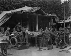 MINISTRY INFORMATION FIRST WORLD WAR OFFICIAL COLLECTION (Q 175)   Army Service Corps Mobile Workshop, 16th July 1916. (Thornycroft Lorry).