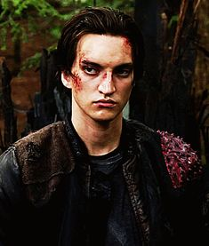 """richard-harmon-gifs: """"""""""""Murphy. You come with me."""" """" Bellarke, The 100 Serie, Murphy The 100, The 100 Clexa, The 100 Cast, A Series Of Unfortunate Events, The Hundreds, We Meet Again, Harry Potter"""