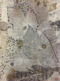 Lovely - natural dyes, print and embroidery! How To Dye Fabric, Fabric Art, Fabric Crafts, Textile Fiber Art, Textile Artists, Contemporary Embroidery, Contemporary Art, Creative Textiles, Boro