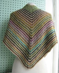 simple rapide Frolic Shawl pattern by Haley Waxberg