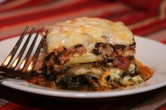 Low Carb/South Beach Eggplant Lasagna ~ I found a vegetarian lasagna recipe using eggplant slices as noodles, substituted my own meat sauce, and voila! Vegetarian Lasagna Recipe, Keto Lasagna, Lasagna Food, Egg Plant Lasagna Recipe, Lasagna Pan, Veggie Lasagna, Lasagna Recipes, Low Carb Recipes, Diet Recipes
