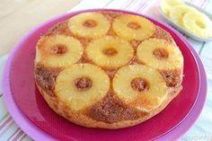 La ricetta della torta rovesciata all'ananas è della mamma di Caterina, una delle ragazze che lavora con me. Per lei ha un forte valore affettivo: ad ogni