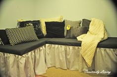 Creatively Living: The Reading Nook Project: The Bench - i would make bookshelves the main seat part