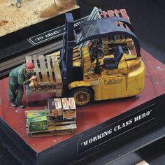 """Working Class Hero"" Unknown modeler From: scalemodelchallenge #scalemodel #plastimodelismo #miniatura #miniature #miniatur #hobby #diorama #scalemodelkit #plastickits #usinadoskits #udk #maqueta #maquette #modelismo #modelism"
