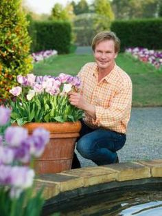 What Are Your Favorite Garden Gurus Growing This Fall? --> http://www.hgtvgardens.com/flowers-and-plants/hot-heirlooms-and-popping-perennials-celebrity-gardens?soc=pinterest