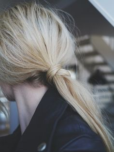 wrap-around low ponytail | {hairstyles}