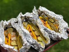 Chicken sausage is a healthy alternative that tastes just as great! Looking to combine this yummy sausage with a new way to use your grill? Check out this recipe for grilled barbecue chicken sausage and vegetables in foil!  #Recipe #SummerFavorites #ChickenSausage #Grilled #FoilBoatRecipe