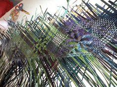 Alixene Curtis - 'Son of Tangaroa' a work in progress Flax Weaving, Basket Weaving, New Zealand Flax, Maori Patterns, Flax Fiber, Maori Designs, Maori Art, Weaving Techniques, Jewelries