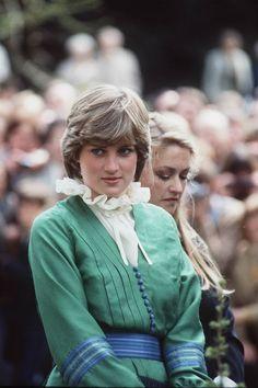 Lady Diana Spencer Before Marriage Princess Diana Dresses, Princess Diana Fashion, Princess Diana Photos, Princess Diana Family, Prince And Princess, Princess Of Wales, Real Princess, Princess Style, Princess Kate