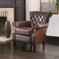 Gorgeous Royal Design Tufted Brown Leather Club Chair
