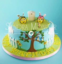 Buzzy Bees 'The Hive' Cake