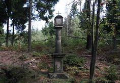 """Naturwunder ...: """"Dreiherrensäule"""" unterhalb des Tollensteins an de..."""