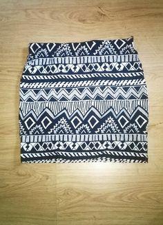 Kup mój przedmiot na #vintedpl http://www.vinted.pl/damska-odziez/spodnice/10076497-wzorki-azteckie-spodniczka-bialo-czarna