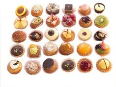 Best pastries @ Cassis Special Day, Special Events, Classic Cake, Mini Cupcakes, Pastries, Tarts, Good Food, Tea, Make It Yourself