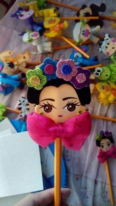 Frog on a lily pad Foam Crafts, Diy And Crafts, Crafts For Kids, Arts And Crafts, Frida Kahlo Birthday, Mexican Crafts, Fiesta Decorations, Pencil Toppers, Ecole Art