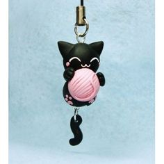 KeyChain & Mobile Accessories inspired in Cat & Ball of Yarn, has movil tail. This is a Cute version completely handmade and the composition is polymer clay Crea Fimo, Polymer Clay Kunst, Polymer Clay Figures, Cute Polymer Clay, Polymer Clay Animals, Cute Clay, Polymer Clay Miniatures, Fimo Clay, Polymer Clay Projects