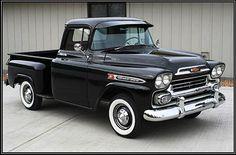 old trucks chevy 1955 Chevrolet, Chevrolet Apache, Chevrolet Trucks, Chevrolet Impala, Classic Pickup Trucks, Old Pickup Trucks, Gm Trucks, Cool Trucks, Diesel Trucks