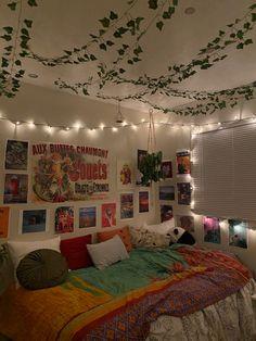 Room Design Bedroom, Room Ideas Bedroom, Bedroom Decor, Bedroom Inspo, Chill Room, Cozy Room, Indie Room Decor, Cute Room Decor, Indie Bedroom