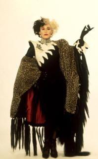 10 freakishly fashionable Halloween costume ideas