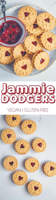 Who doesn't love Jammie Dodgers? Check out this Vegan Gluten-free version! Healthy Cookie Recipes, Best Gluten Free Recipes, Vegan Dessert Recipes, Healthy Cookies, Gluten Free Baking, Just Desserts, Vegan Gluten Free Cookies, Vegan Biscuits, Healthy Biscuits
