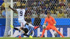 Tremendo gol de Campbell, tiene 21 años.  June 15, 2014.