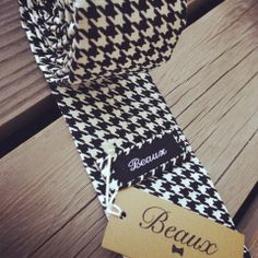 Classic houndstooth Beaux necktie, back view. Houndstooth, Tie Clip, Classic, Collection, Beauty, Classic Books, Tie Pin