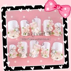 Kawaii nails small rose