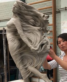 Amazing female figure sculptures by Chinese artist LUO LI RONG https://www.facebook.com/veriapriyatno/photos/pcb.10155980392489903/10155980386654903/?type=3