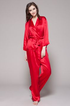 Online best quality silk pajamas of two-piece set are made of 100% pure 19 momme best mulberry silk. $99 #pajamas #silk #lilysilk