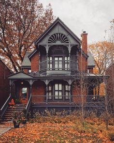 architecture old gothic victorian houses Victorian Architecture, Beautiful Architecture, Architecture Cake, Victorian Homes Exterior, Old Victorian Homes, Victorian Interiors, Victorian Furniture, Classical Architecture, Ancient Architecture