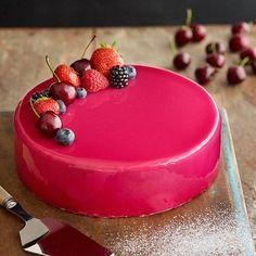 Mirror Glaze eli peilikuorrute - Reseptejä Glace Cake, Baking Recipes, Cake Recipes, Finnish Recipes, Mirror Glaze Cake, Red Cake, Savory Pastry, Cake Photography, Pretty Cakes