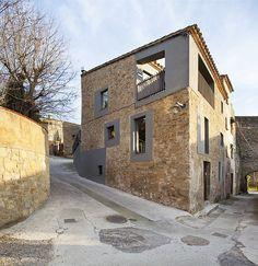 Cubus, Talles d'Arquitectura > Casa de pueblo en Jafre