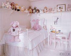 cozy-neutral-pinky-little-girl-bedroom-554x443