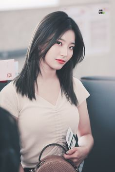 Her stare is one of the most precious thing i ever see. South Korean Girls, Korean Girl Groups, Korean Celebrities, Celebs, Native American Beauty, Beautiful Asian Women, Hottest Models, Japanese Girl, Pretty Face
