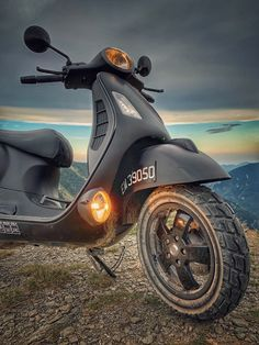 Vespa Gts, Vespa Lambretta, Mini Bike, Cool Cars, Motorcycle, Christian, Nice, Vehicles, Motorcycles