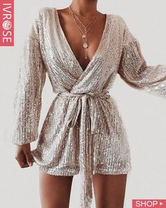Shop Sexy Trending Dresses – IVRose offers the best women's fashion Dresses deals Mode Ootd, Look Fashion, Womens Fashion, Elegance Fashion, Vogue Fashion, 1950s Fashion, Luxury Fashion, Autumn Fashion, New Years Eve Outfits