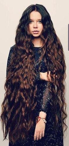 Curls For Long Hair, Very Long Hair, Thick Hair, Beautiful Long Hair, Gorgeous Hair, Pentecostal Hairstyles, Silky Hair, Photos Of Women, Hair Goals