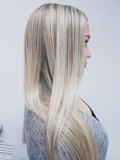 Gold&ash blonde locks made by Susanna Poméll / @healthyhairfinland