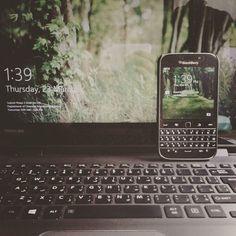 #inst10 #ReGram @ponyo_mokona: #blackberry #blackberryclassic #toshibasatellite #touch #type  #BlackBerryClubs #BlackBerryPhotos #BBer #RIM #QWERTY #Keyboard #OldBlackBerry #NewBlackBerry #BlackBerryGirls
