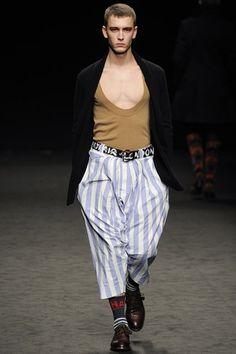 Milan fashion week  Vivienne Westwood winter- autumn collection  Men - menswear - fashion - trends - runway - Lfw - Nyfw - style - homme - couture - moda - masculina - men's - fashionista - trending - black - white - shoes - coat - pants - beige - gold - suit - beige - blue - shirt - socks - stripes - belt - metallic - silver