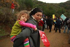 """""""Doğa katliamına hayır"""" yürüyüşüne katılan  anne ve kızı"""