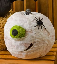 Mummify your pumpkin this Halloween! Avoid the burns from the hot glue gun and try Keep this Halloween spooky and safe! Halloween Office, Holidays Halloween, Spooky Halloween, Halloween Treats, Halloween Pumpkins, Halloween Party, Halloween Decorations, Halloween Halloween, Pumpkin Art