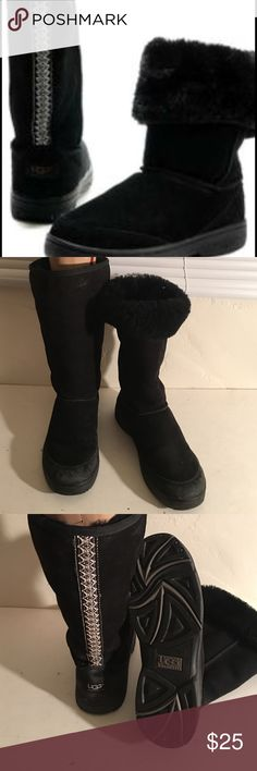 UGG ULTIMATE TALL BRAID FUR LINED BOOTS 11 PREOWNED GENTLY WORN IN GOOD CONDITION UGG ULTIMATE TALL 5340 BLACK FUR LINED BOOTS SOME COSMETIC SIGNS OF WEAR THE FUR IS  SOFT AND FULL  A GREAT BOOT UGG Shoes Winter & Rain Boots