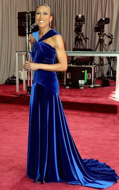 Robin Roberts  Fashion On The 2013 Academy Awards Red Carpet