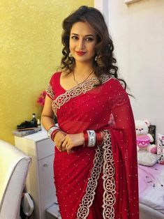 Divyanka in red saree Dress Indian Style, Indian Dresses, Indian Outfits, Fancy Sarees, Party Wear Sarees, Indian Beauty Saree, Indian Sarees, Divyanka Tripathi Saree, Divyanka Tripathi Wedding