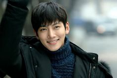 This was one of the many shots that almost KILLED me while watching Healer!!! Such a beautiful smile!!
