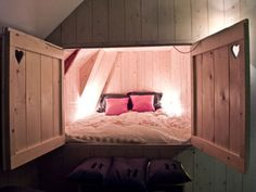 Picture this amazing bed in ur bedroom! For more cool ideas: 38 Smart Small Bedroom Designs with Hidden Bed