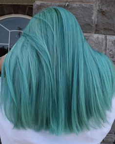 OCEAN STORM 🌊🐳⛈ Scroll to see her before 👉🏼👉🏼 So I started by lifting her new growth with Big 9 creme lightener mixed… Teal Hair, Hair Color Purple, Hair Dye Colors, Cool Hair Color, Green Hair, Beautiful Hair Color, Aesthetic Hair, Grunge Hair, Cool Hairstyles