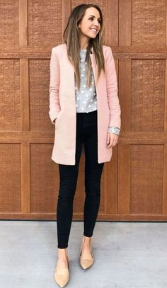 A Cute Pink Cardigan For Women Business Outfit In Fall Casual Work Attire, Stylish Work Outfits, Business Casual Attire, Cute Outfits, Cute Professional Outfits, Work Attire Women, Dress Casual, Business Chic, Semi Casual Outfit Women